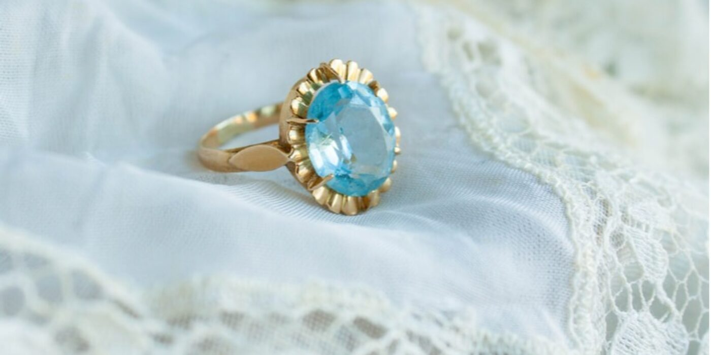 close-up-bridal-ring-on-vintage-white-napkin